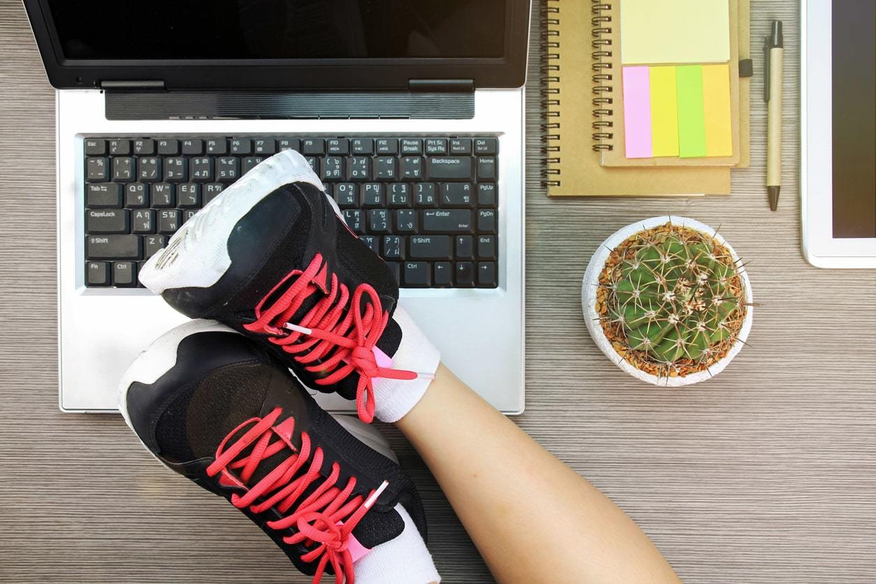 Gebruik maken van een loopband voor aan je bureau