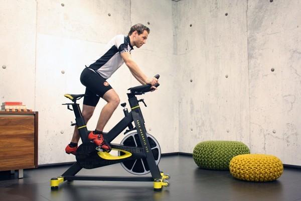 fitbike race magnetic pro spinningfiets in gebruik